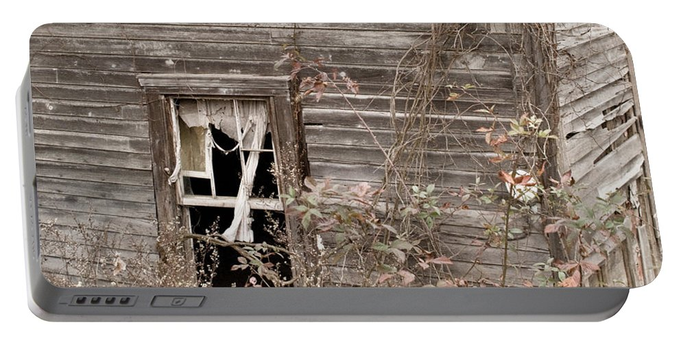 Morgan Portable Battery Charger featuring the photograph Ghostly Abndoned House by Douglas Barnett