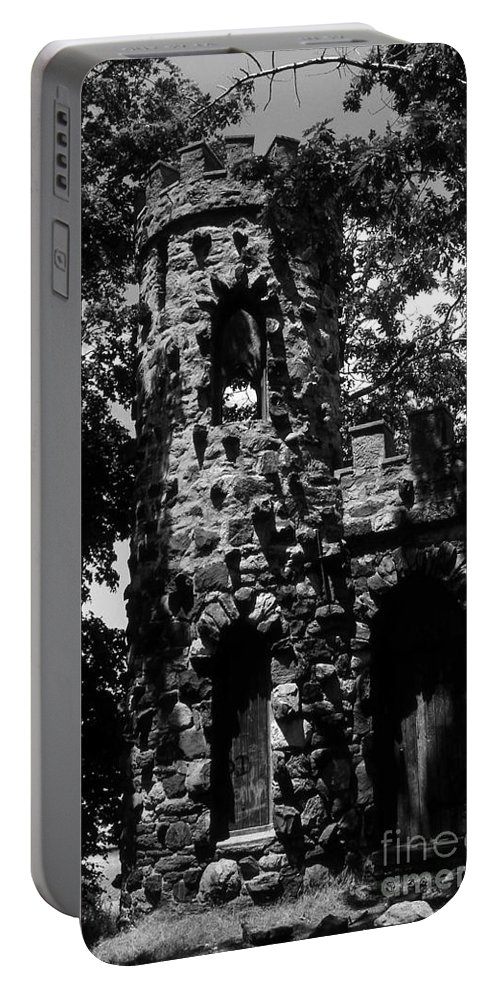 Castle Portable Battery Charger featuring the photograph Glen Island Castle by Richard Rizzo