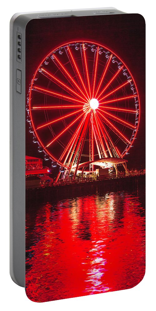 Seattle Portable Battery Charger featuring the photograph Great Wheel 191 by Mike Penney