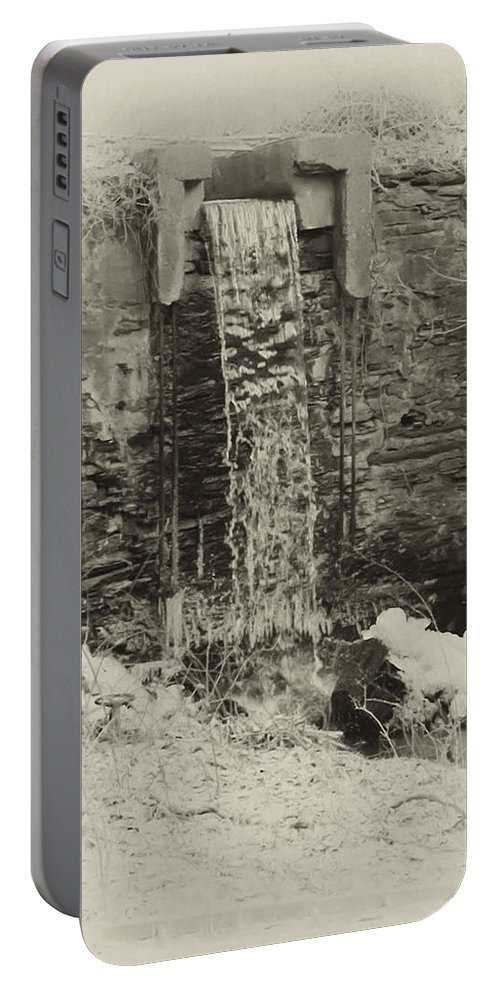 Philadelphia Portable Battery Charger featuring the photograph Hagys Mill by Bill Cannon