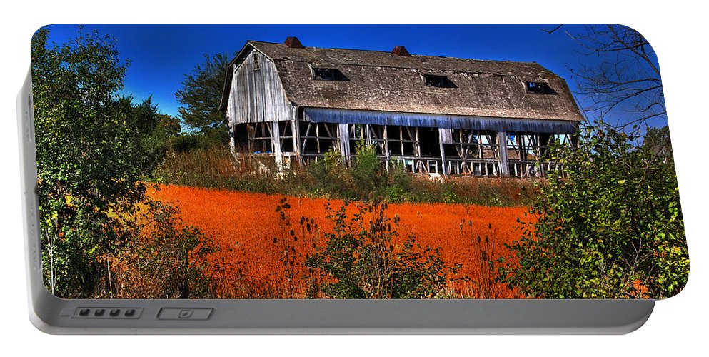 Barn Portable Battery Charger featuring the photograph Hainesville Barn Color by Robert Storost