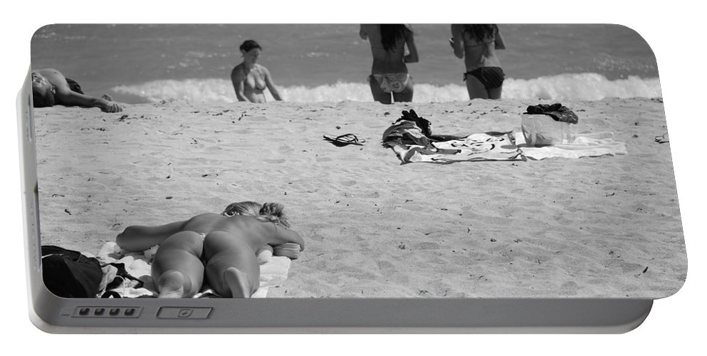 Miami Portable Battery Charger featuring the photograph Half Dead Half Alive by Rob Hans