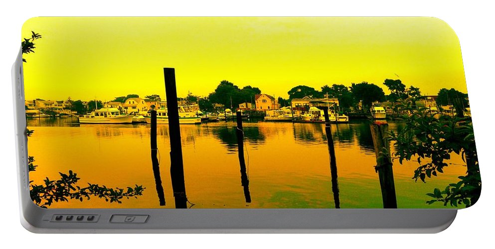 Waterscape Portable Battery Charger featuring the photograph Happy Homes by Kendall Eutemey