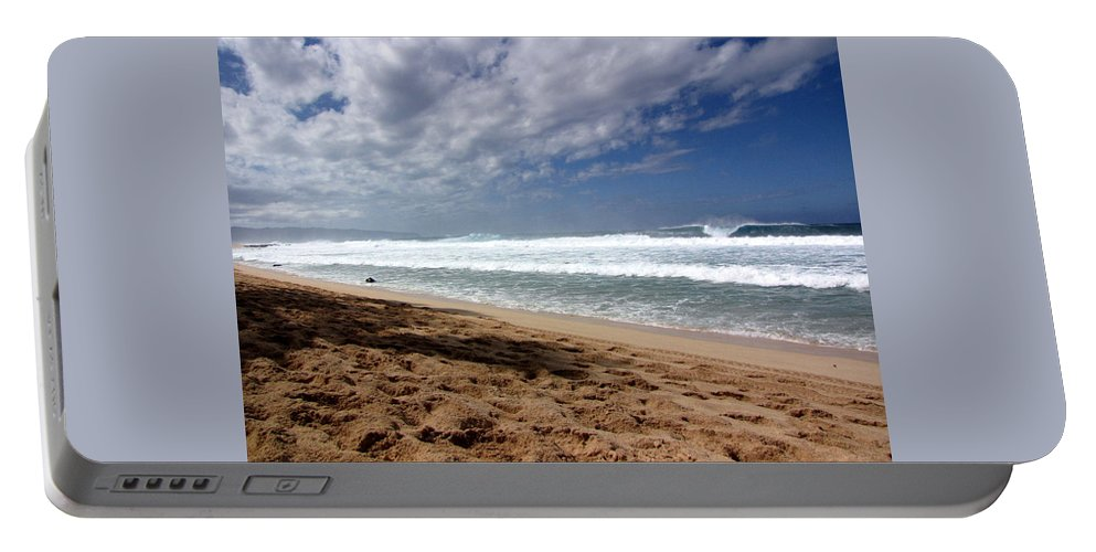 Hawaii Portable Battery Charger featuring the photograph Hawaii Northshore by Sarah Houser