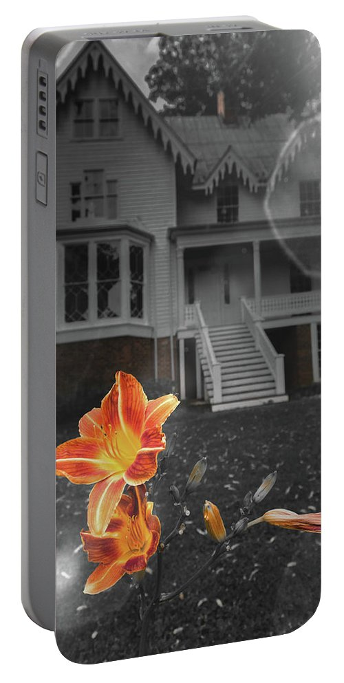 Floral Portable Battery Charger featuring the photograph Hi-lite Bloom by Jim Love