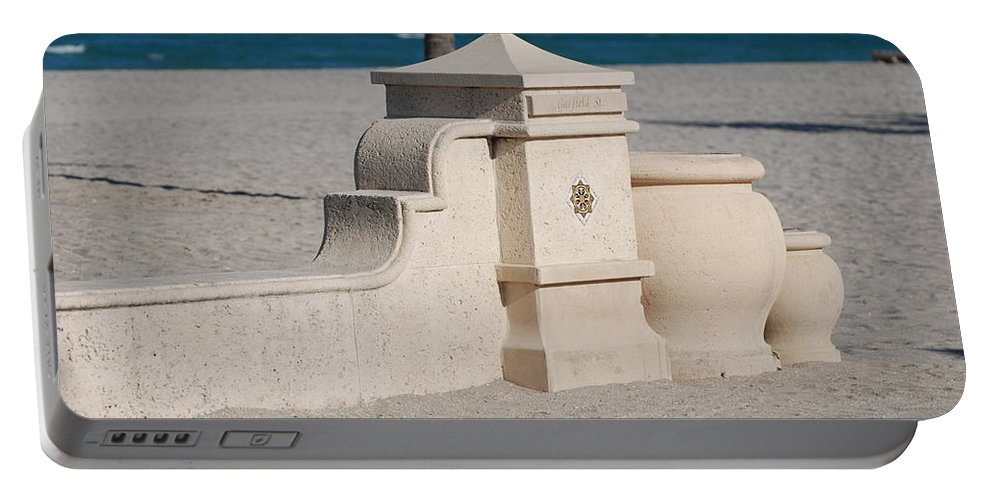 Beach Portable Battery Charger featuring the photograph Hollywood Beach by Rob Hans