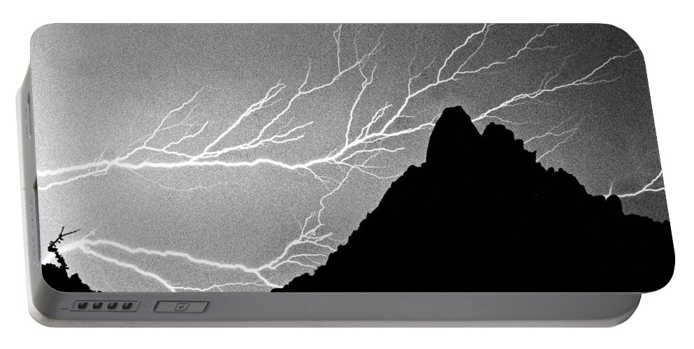 Lightning Portable Battery Charger featuring the photograph Horizonal Lightning Bw by James BO Insogna