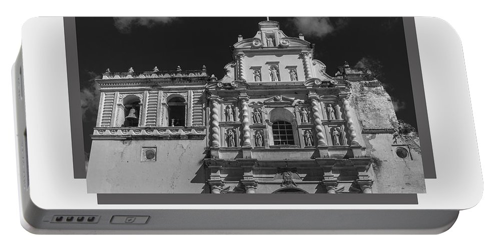 Iglesia San Francisco Portable Battery Charger featuring the photograph Iglesia San Francisco - Antigua Guatemala Bnw by Totto Ponce