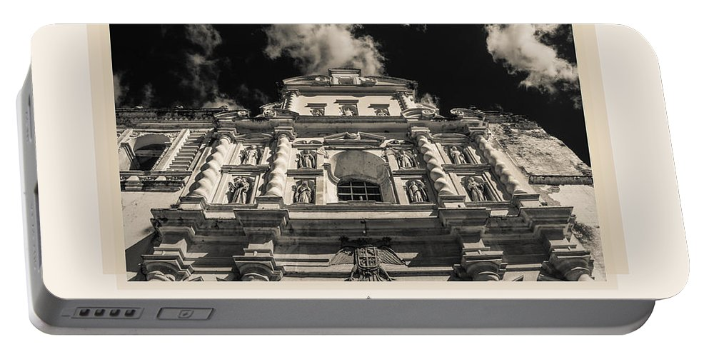 Iglesia San Francisco Portable Battery Charger featuring the photograph Iglesia San Francisco - Antigua Guatemala IIi by Totto Ponce