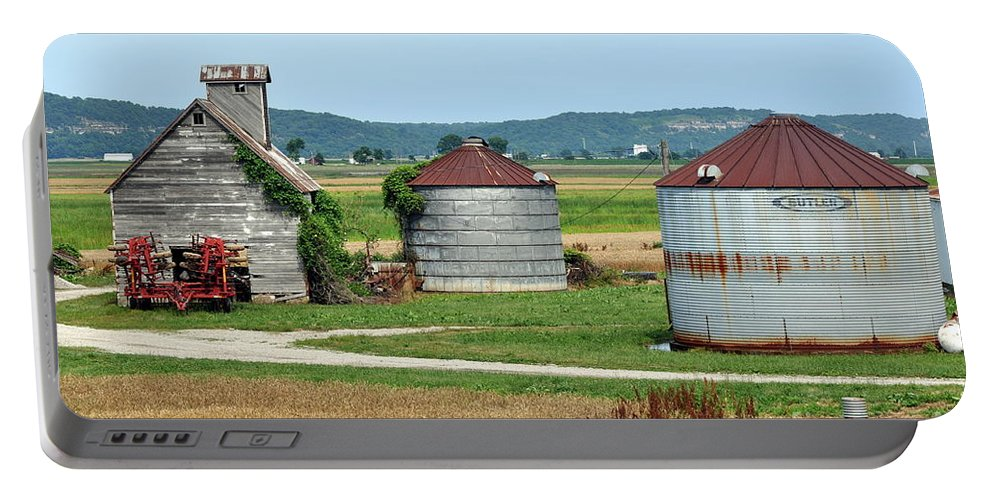 Farm Portable Battery Charger featuring the photograph Ilini Farm by Marty Koch