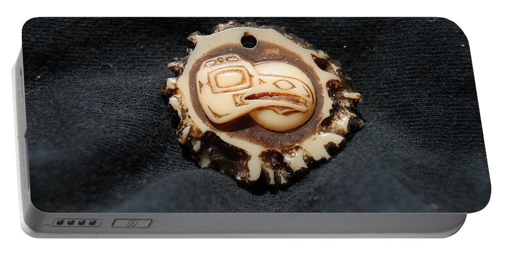 Indian Art Portable Battery Charger featuring the photograph Indian Eagle Head by Rob Hans