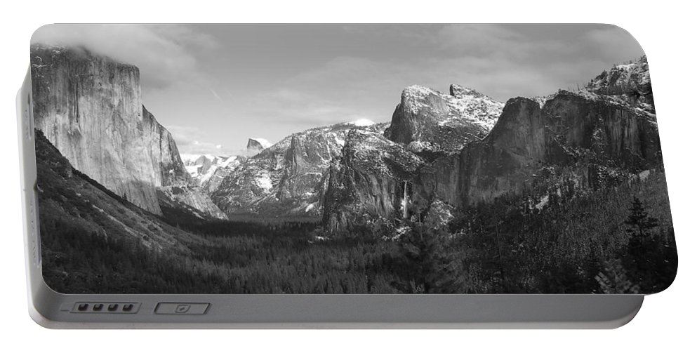 Yosemite Portable Battery Charger featuring the photograph Inspiration Point by Travis Day