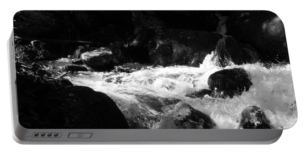 Rivers Portable Battery Charger featuring the photograph Into The Light by Amanda Barcon