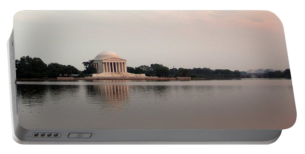 Jefferson Portable Battery Charger featuring the photograph Jefferson Monument At Sunset by Douglas Barnett