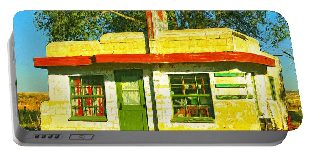 Old Motel Portable Battery Charger featuring the painting Juarez Motel by Dominic Piperata