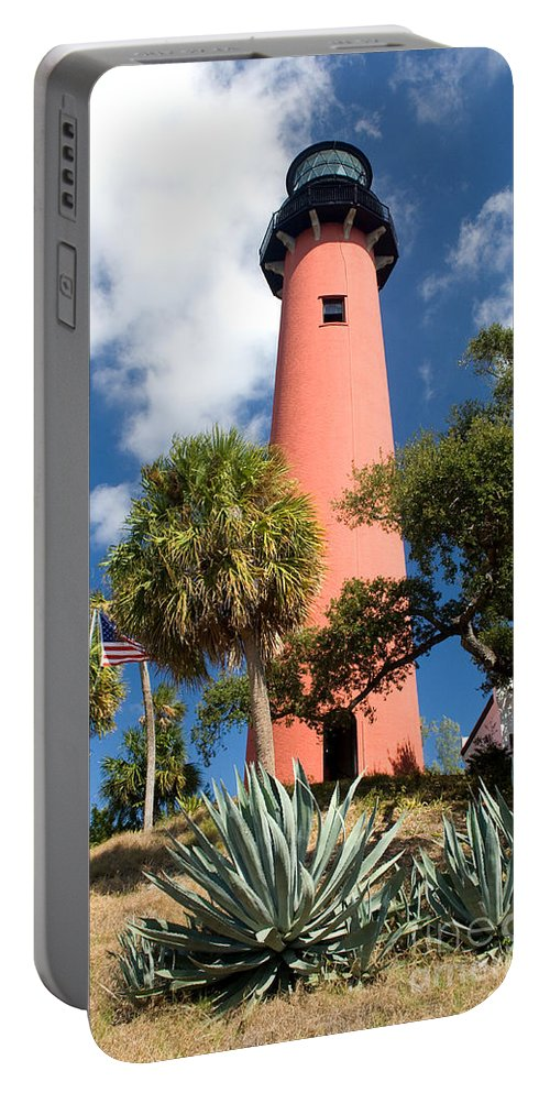 Lighthouse Portable Battery Charger featuring the photograph Jupiter Lighthouse II by Thomas Marchessault