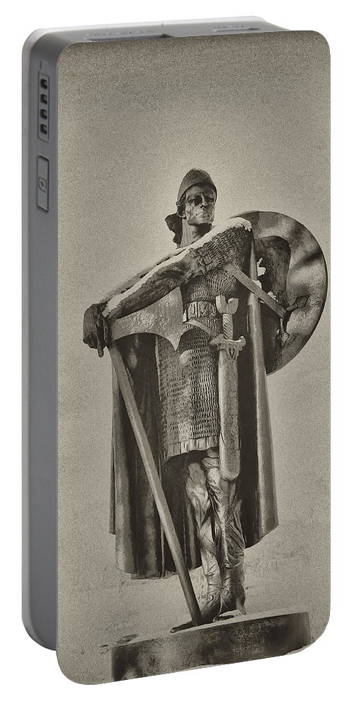 Philadelphia Portable Battery Charger featuring the photograph Knight by Bill Cannon