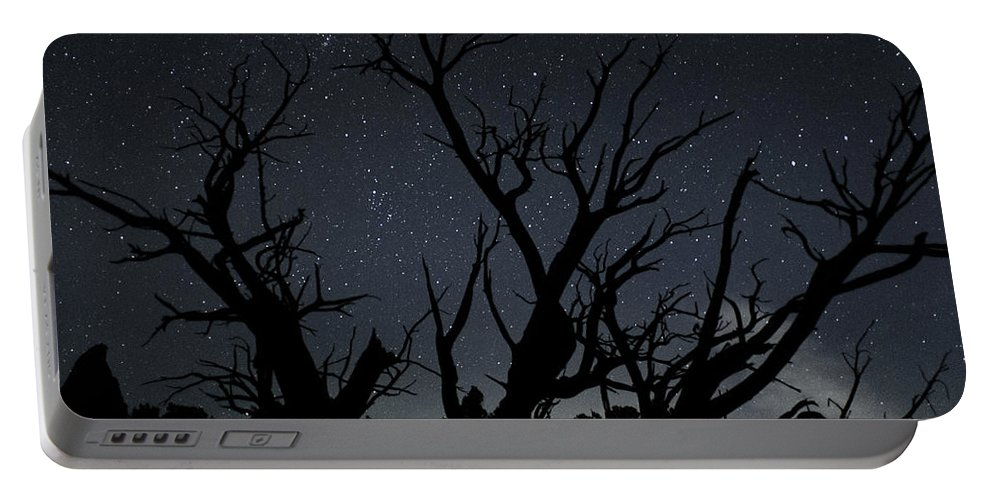 Kodachrome Portable Battery Charger featuring the photograph Kodachrome Basin Night Sky 2963 by Bob Neiman