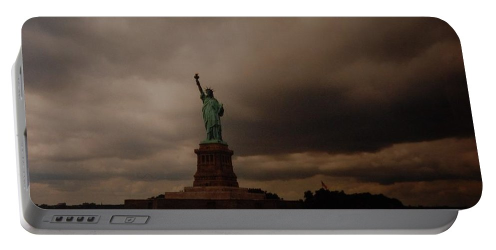 Statue Of Liberty Portable Battery Charger featuring the photograph Lady Liberty by Rob Hans