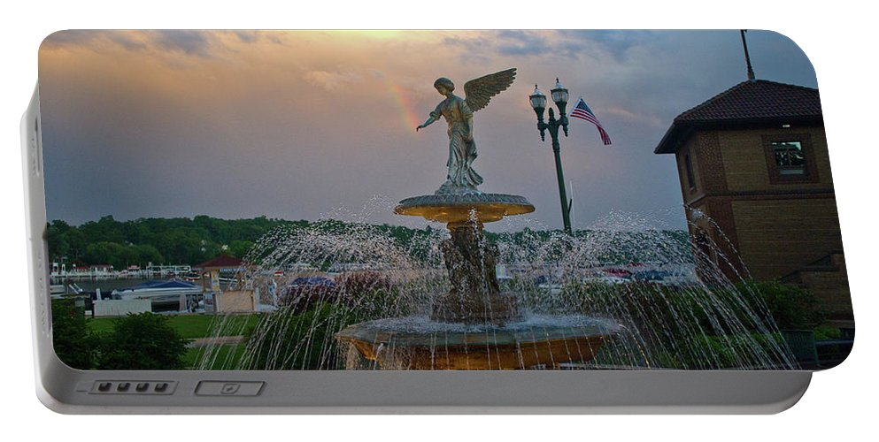 Lake Geneva Fountain Portable Battery Charger featuring the photograph Lake Geneva Fountain by Tom Wagner