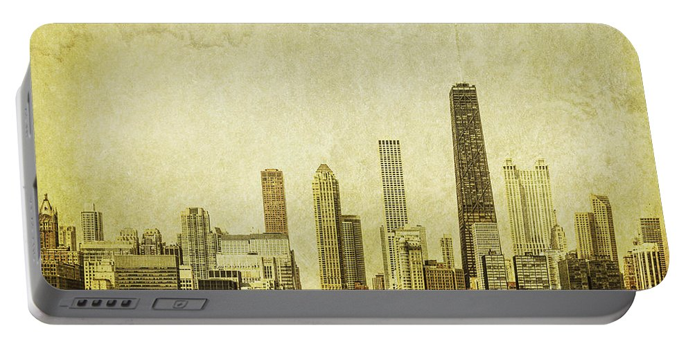 Chicago Portable Battery Charger featuring the photograph Lakeside Views by Andrew Paranavitana