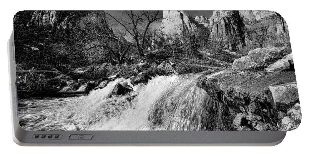 Mountains Portable Battery Charger featuring the photograph Late Afternoon At The Court Of The Patriarchs - Bw by Christopher Holmes