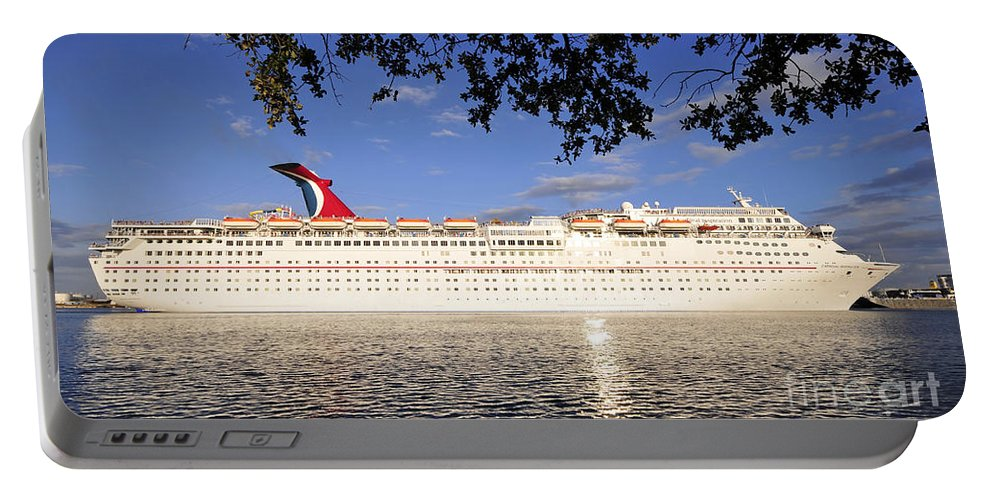 Tampa Bay Florida Portable Battery Charger featuring the photograph Leaving Port by David Lee Thompson