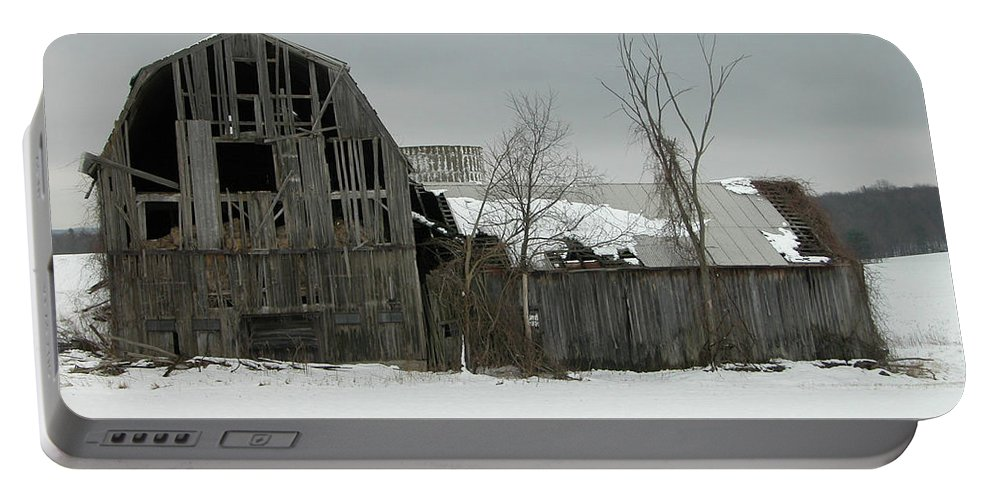 Barn Portable Battery Charger featuring the photograph Letchworth Barn 0077b by Guy Whiteley