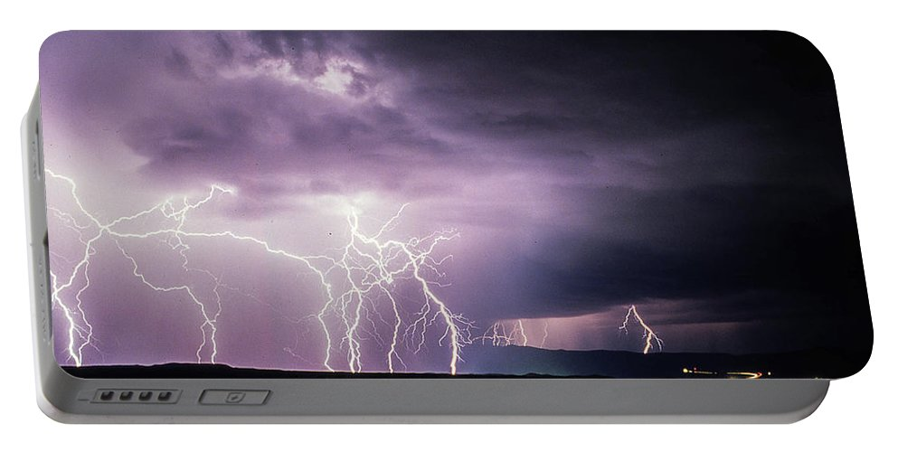 Arizona Portable Battery Charger featuring the photograph Light Show 002 by Michael Scully