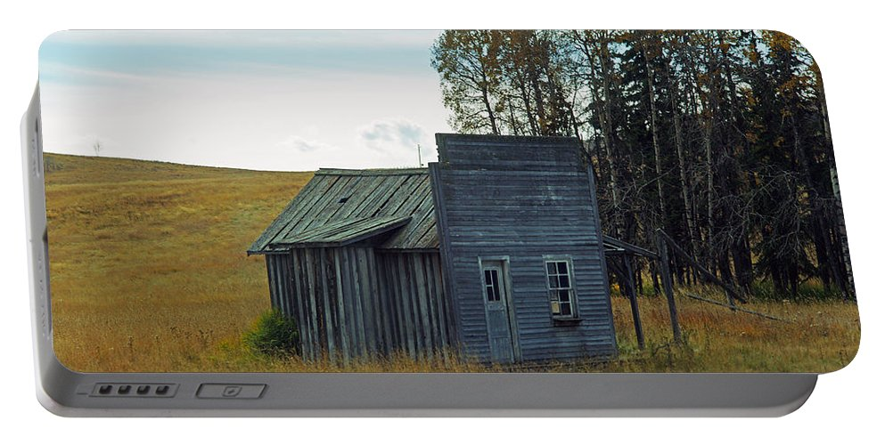 Old Barn Portable Battery Charger featuring the photograph Little Rustic Shack by Randy Harris