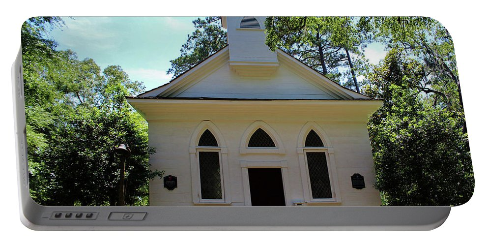 Lebanon Chapel Portable Battery Charger featuring the photograph Little White Chapel by Cynthia Guinn