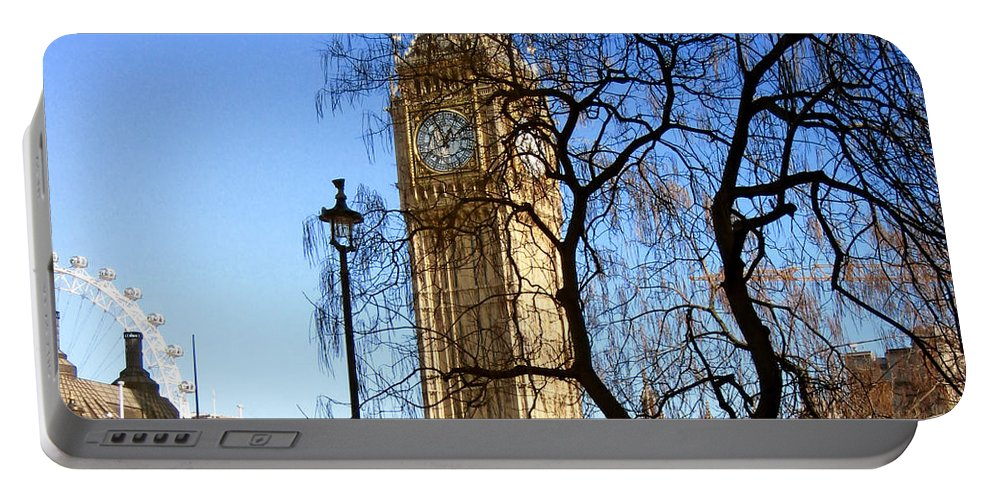 London Portable Battery Charger featuring the photograph London's Big Ben by Madeline Ellis