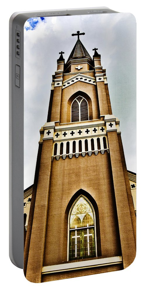 Religion Portable Battery Charger featuring the photograph Looking Up by Scott Pellegrin