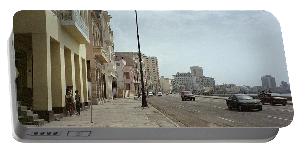 Quin Sweetman Portable Battery Charger featuring the photograph Malecon En Havana by Quin Sweetman
