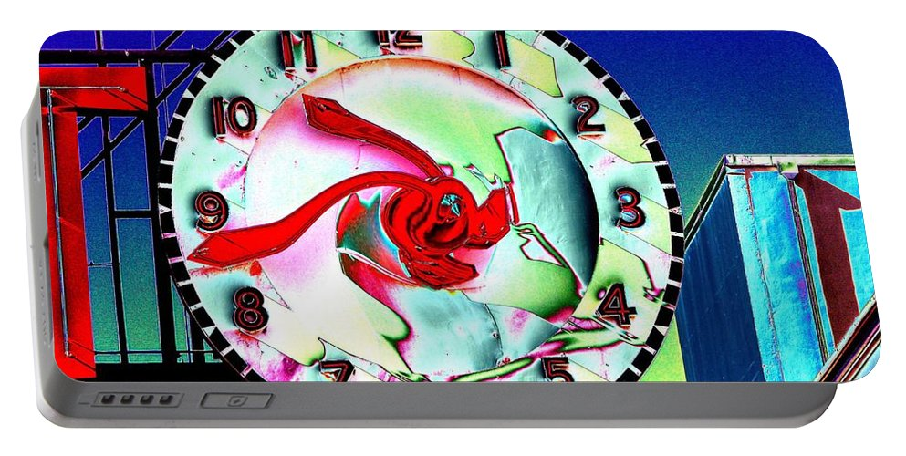 Seattle Portable Battery Charger featuring the photograph Market Clock 2 by Tim Allen