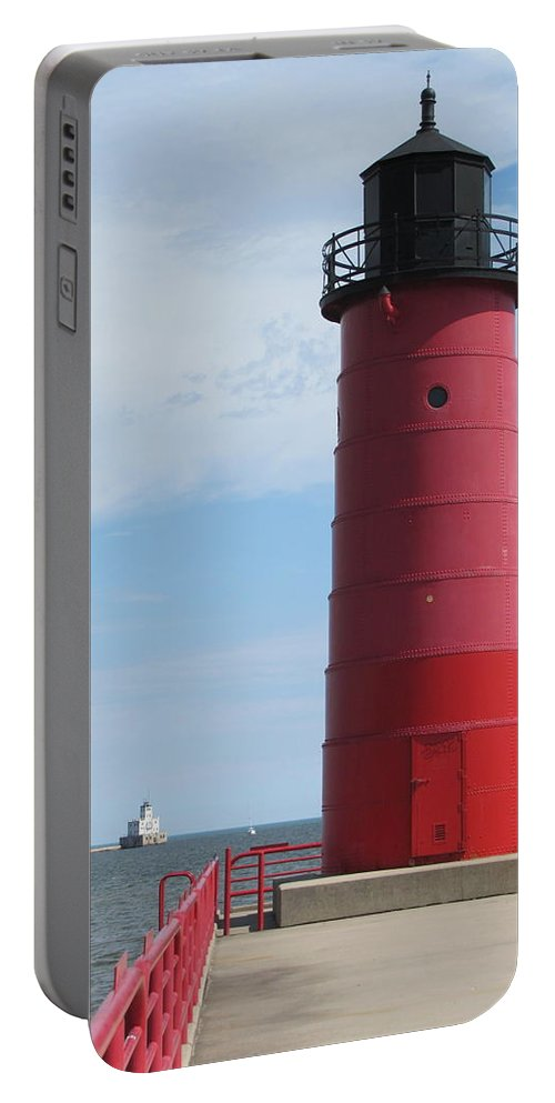 Milwaukee Portable Battery Charger featuring the photograph Milwaukee Harbor Lighthouse by Anita Burgermeister