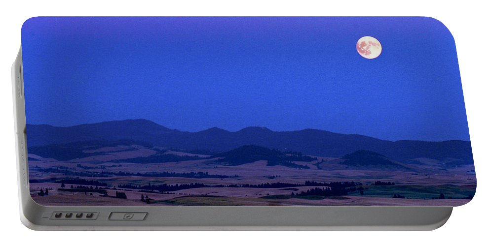 Jean Noren Portable Battery Charger featuring the photograph Moonrise Over The Palouse By Jean Noren by Jean Noren