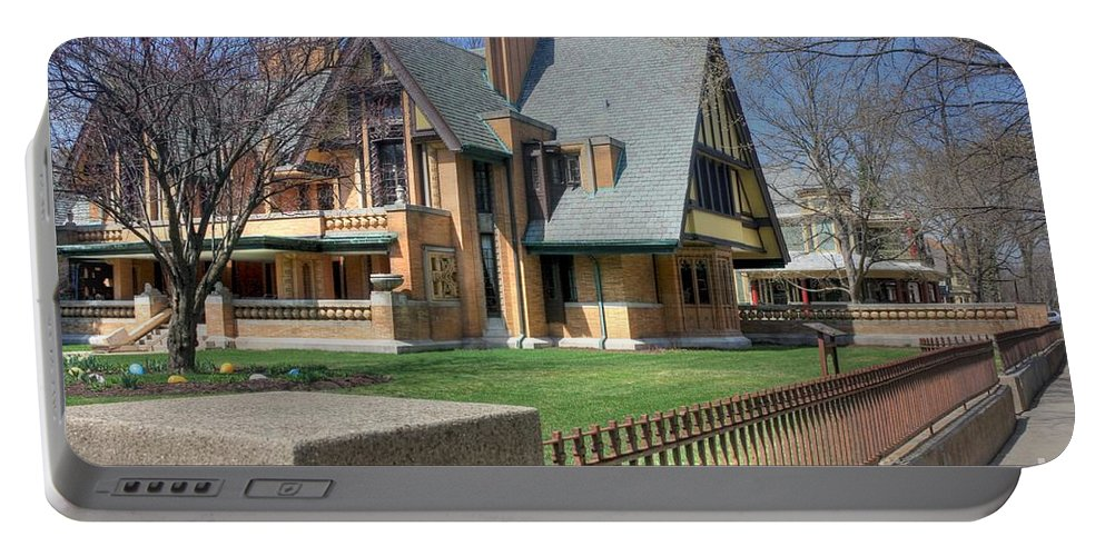 Frank Lloyd Wright Portable Battery Charger featuring the photograph Moore-dugal House by David Bearden
