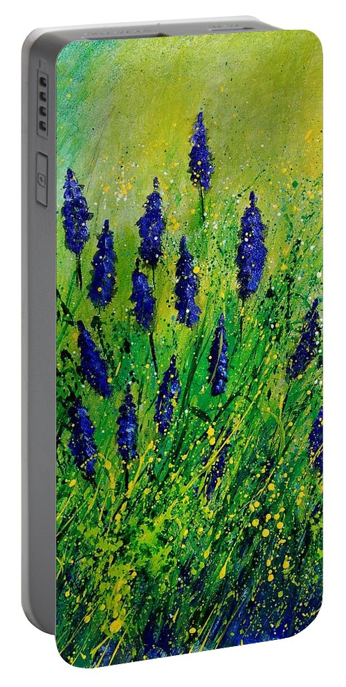 Flowers Portable Battery Charger featuring the painting Muscaris 4590 by Pol Ledent