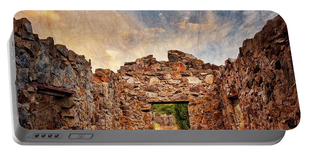 Southwest Portable Battery Charger featuring the photograph Nature's Roof by Zayne Diamond Photographic