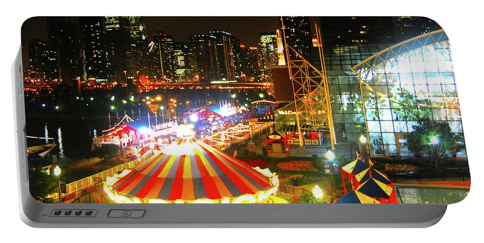 Portable Battery Charger featuring the photograph Navy Pier by Brian O'Kelly