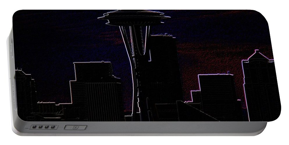 Seattle Portable Battery Charger featuring the photograph Needle From Kerry Park 2 by Tim Allen