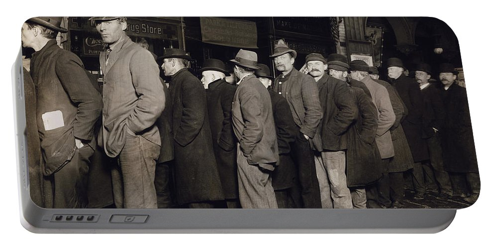 1907 Portable Battery Charger featuring the photograph New York: Bread Line, 1907 by Granger