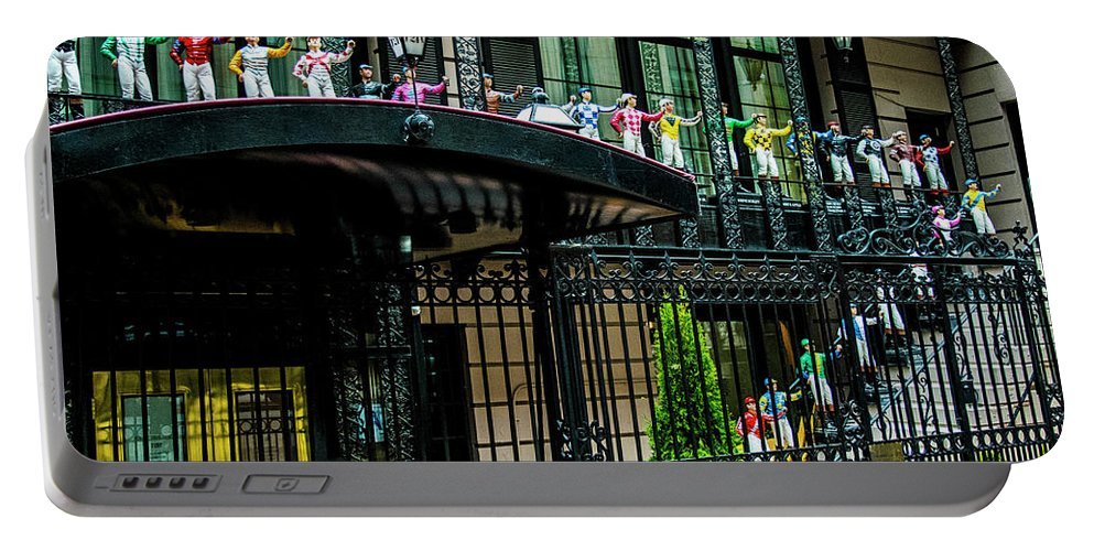 Nyc Portable Battery Charger featuring the photograph Nyc 21 Club by Leonard Cascia