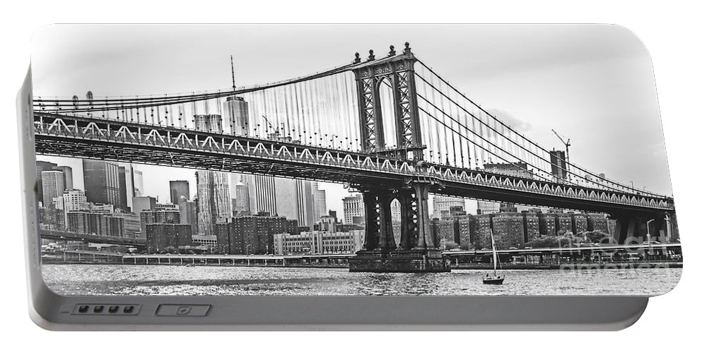 New York Bridges Portable Battery Charger featuring the photograph Nyc Manhattan Bridge In Black And White by Regina Geoghan
