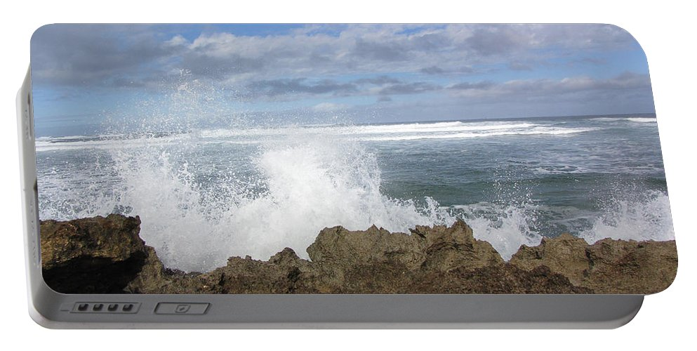 Hawaii Portable Battery Charger featuring the photograph Ohau Splash by Sarah Houser