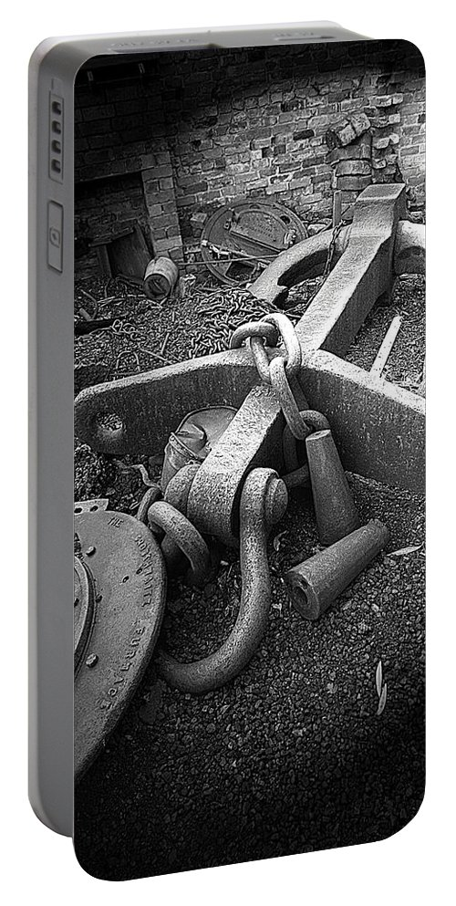 Cast Iron Portable Battery Charger featuring the photograph Old Anchor by Bob Kemp