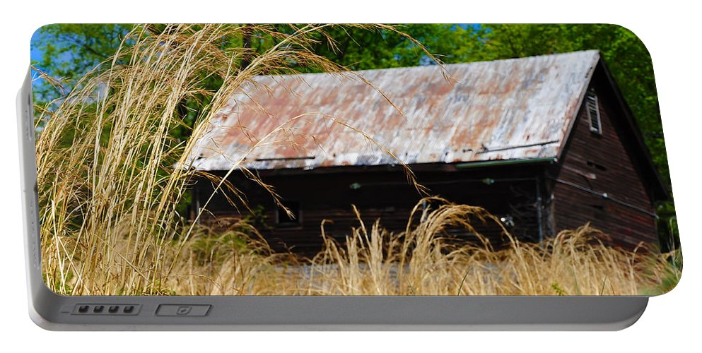 Barn Portable Battery Charger featuring the photograph Old Barn In Roxborough by Bill Cannon