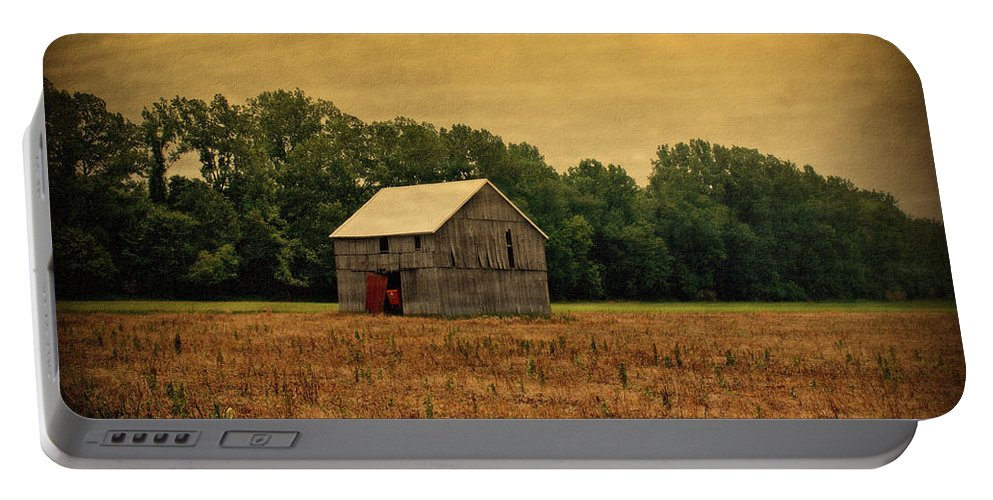 Barns Portable Battery Charger featuring the photograph Old Barn by Sandy Keeton
