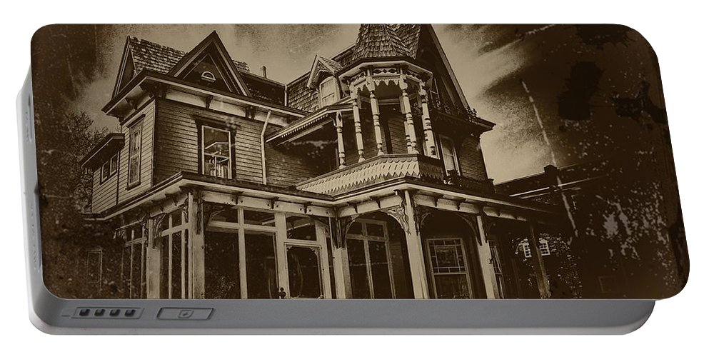 Cape May Portable Battery Charger featuring the photograph Old House In Cape May by Bill Cannon
